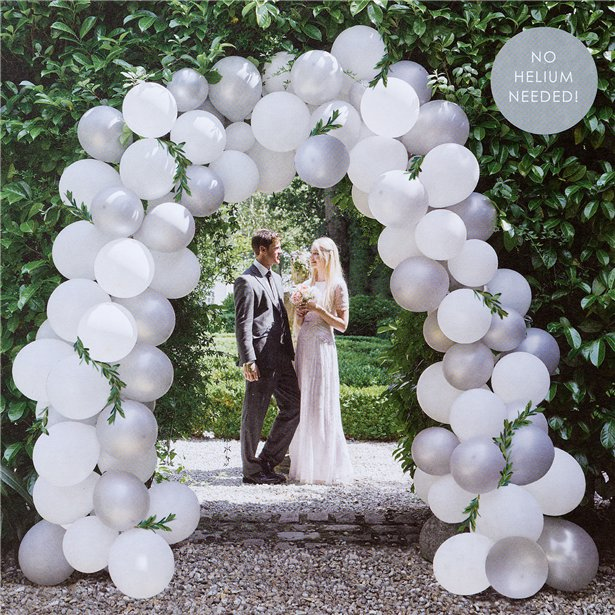 Arco de globos blanco y plata - 80 globos 1